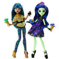 Набор Монстер хай Нефера и Аманита Крик и сахар  Monster High Scream and Sugar Nefera de Nile and Amanita