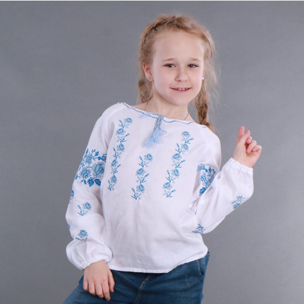 Вышитая сорочка для девочки (голубая вышивка)