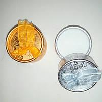 Подарочная коробочка, золото,серебро,диаметр 5см.