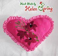 Подушка декоративная Сердце 42 х 32 см