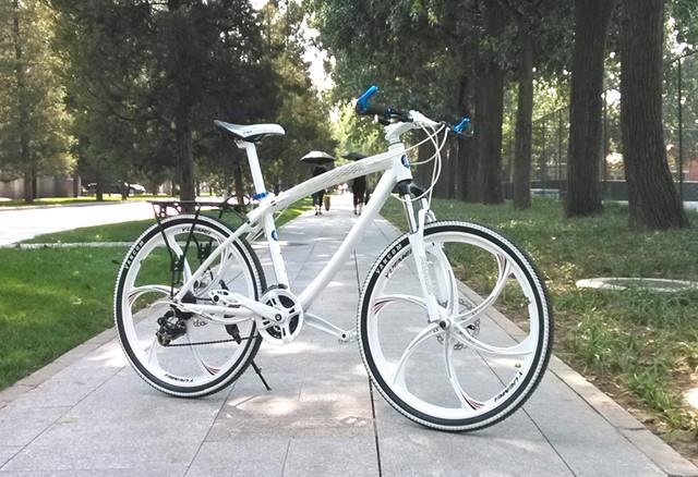 Велосипед БМВ.
