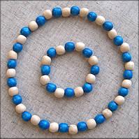 Набір дерев'яні буси + браслет з бусинок голубого кольору та бусинок покритих прозорим лаком