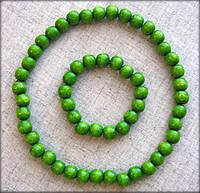 Набір дерев'яні буси та браслет зеленого кольору