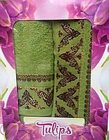 Подарочный набор полотенец с вышивкой в ассортименте