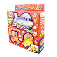 """Набор игрушек Race Game """"Christmas Day"""": Паровозик с двумя вагонами."""