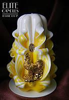 Новогодний подарок, резная свеча украшена золотым петухом, ручная работа