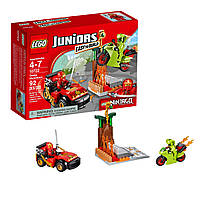 Конструктор лего джуниур Lego Juniors Схватка со змеями 10722