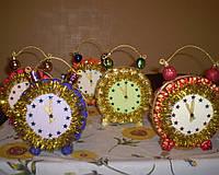 """Композиция""""Новогодние часы"""" из конфет"""