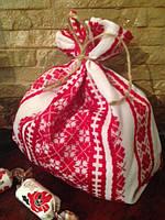 Мешочек-вышиванка с красным орнаментом на завязках