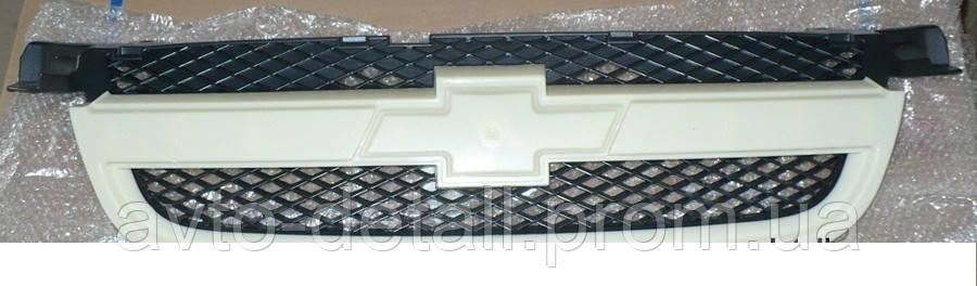 Решітка радіатора (під фарбування) Авео 3 1,6 (Шанхайка)