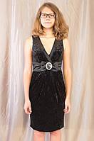 Элегантное женское нарядное вечернее платье с декольте