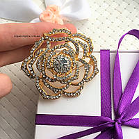"""Шикарная брошка """"Цветок"""" золотистая, в подарочной упаковке."""