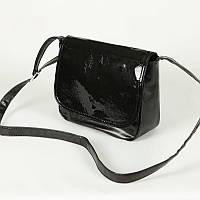 b6b94da99115 Лаковая сумочка М52-Z/лак через плечо черного цвета молодежного стиля с  лаковым клапаном