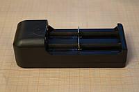 Зарядное устройство для двух аккумуляторов типа Bailong BL-18650 применяемых на фонариках
