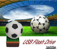 Подарок футболисту USB флешка 16 ГБ Мяч футбольный
