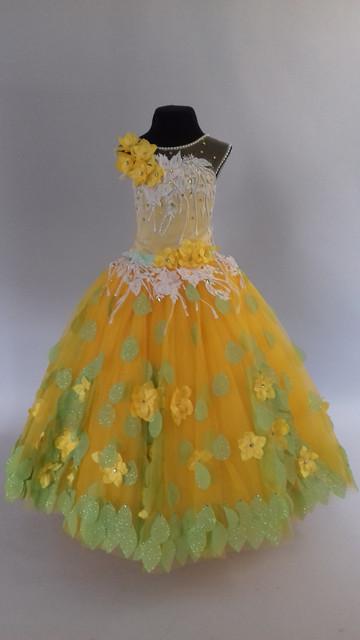 Поступила новая коллекция детских нарядных платьев!!!