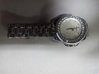 Часы женские CHANEL на браслете с камнями