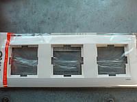 Рамка тройная горизонтальная VIKO MERIDIAN белый