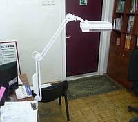 Лампа-лупа с люминисцентной подсветкой, 3 диоптрии, 190x157мм