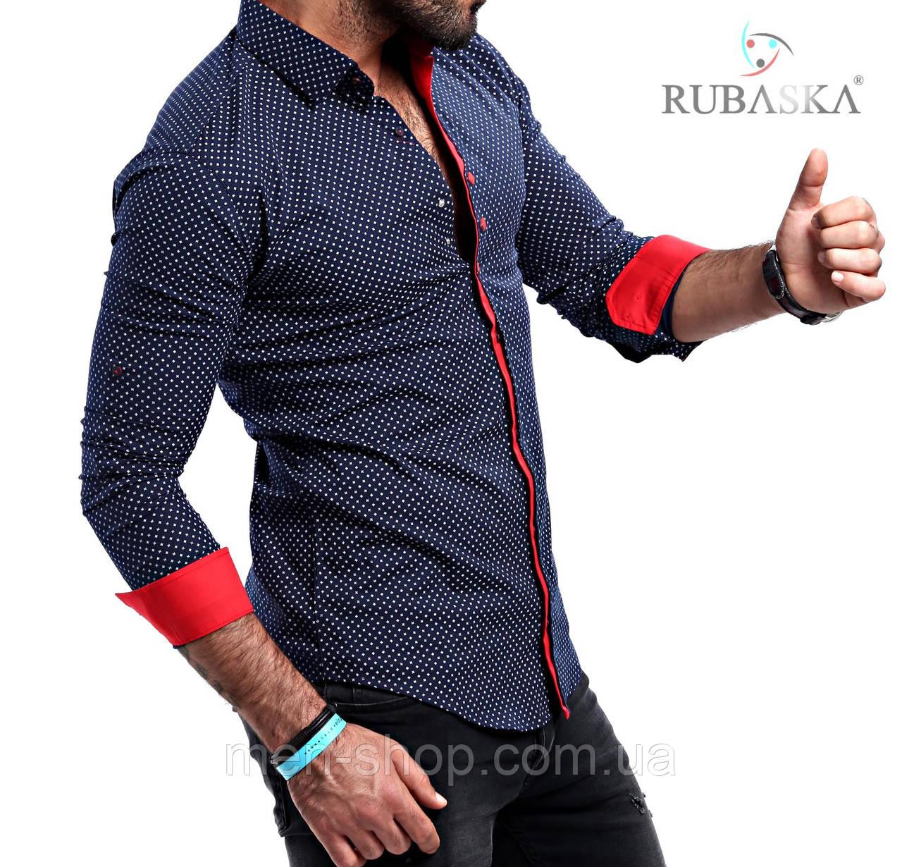 Мужская рубашка синего цвета с красными вставками
