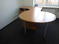 Стол компьютерный с приставной тумбой и приставным столом