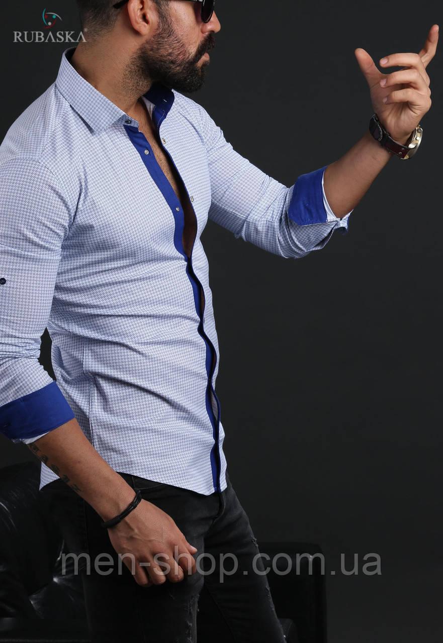 Молодежная мужская рубашка белого цвета