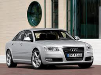 Лобовое стекло на Audi A8 2002-09 г.в.
