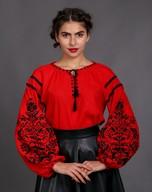 Женская вышиванка из красного льна