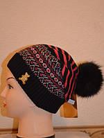 Шапка женская Орнамент с натуральным помпоном черная 3818-b