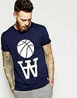 Модная спортивная футболка с принтом