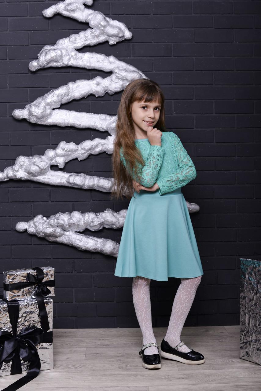 Стильное платье  для девочки с гипюром мята