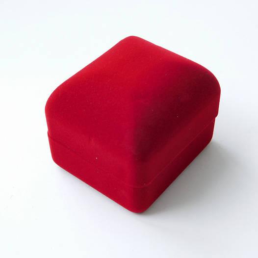 Футляр классика для кольца, красный бархат 53474, размер 4.5*5.5 см