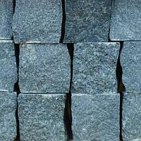 Гранитная брусчатка колотая улучшенная, Габбро (темно-серая), 100х100х50 мм