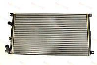 Радиатор охлаждения двигателя на Renault Master II 98->2010 1.9-2.8 (-AC)  — Thermotec (Китай) - D7R011TT