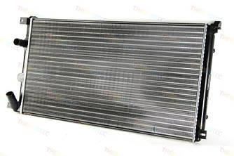 Радиатор охлаждения двигателя на Renault Master II 03->2010 2.5+3.0dCi (+AC)  — Thermotec (Китай) - D7R022TT