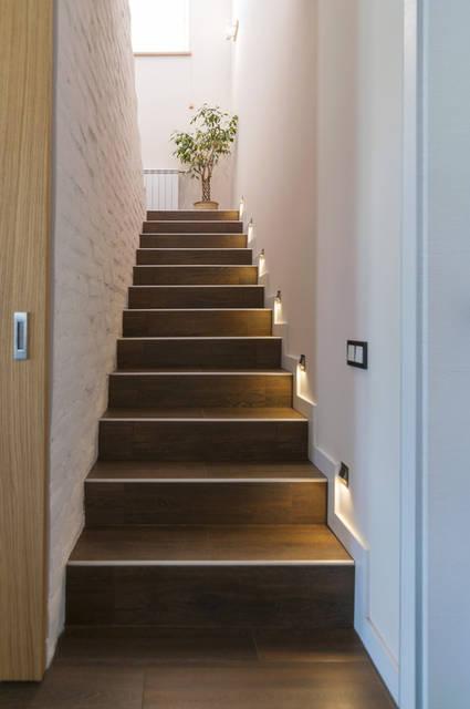 1 этаж, лестница на 2-й этаж