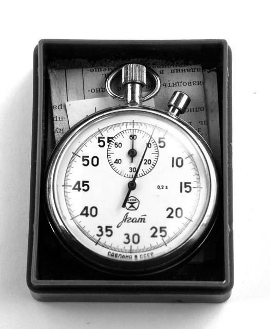 Двухкнопочный секундомер