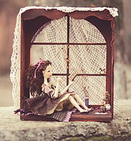Подставка для куклы - окошечко.