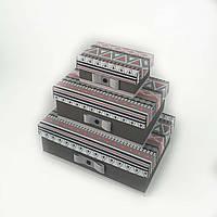 Прямоугольный подарочный комплект коробок ручной работы серо-розового цвета с бантиком и строгим узором