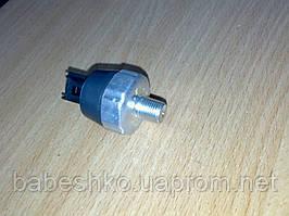 Датчик давления масла под фишку Богдан А092 А091 Isuzu NQR71 NQR75