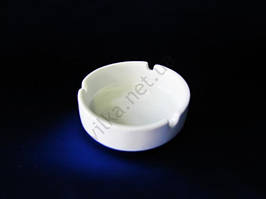 Пепельница керамическая белая д. 8,5 см.