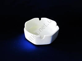 Пепельница керамическая белая 8-ми гранная 10 см.  h-3,5 cм.