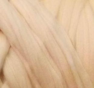 Товста, велика пряжа 100% вовна мериносів 1кг (40м). Колір: Персик. 21-23 мкрн. Топсі. Стрічка для пледів