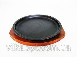 Форма чавунна на дерев'яній підставці кругла діам. 24 х 2
