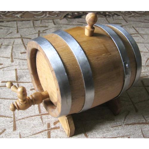 Дубовая бочка для вина и коньяка