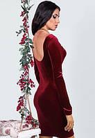 Женское  короткое бархатное платье с голой спинкой