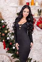 Женское черное платье с вырезом на груди до колена длинный рукав