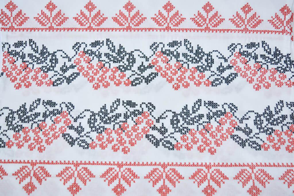 Вышитый рушник «Калина» красно-черная