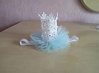 Кружевная новогодняя корона на девочку с декором из бусин и фатина