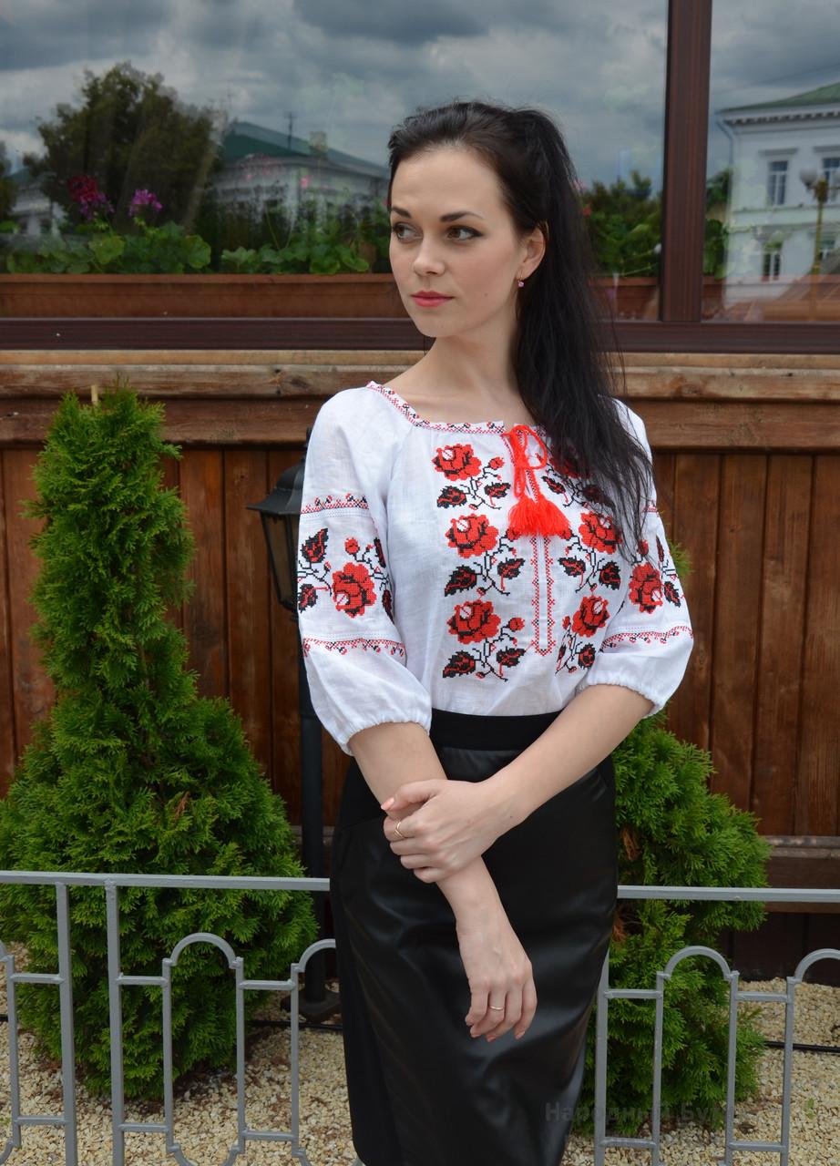 Традиционная белая женская вышиванка с розами, рукав  ¾
